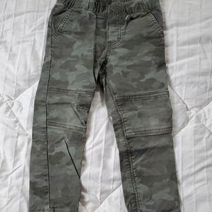 Camo Cat & Jack pants size 3T
